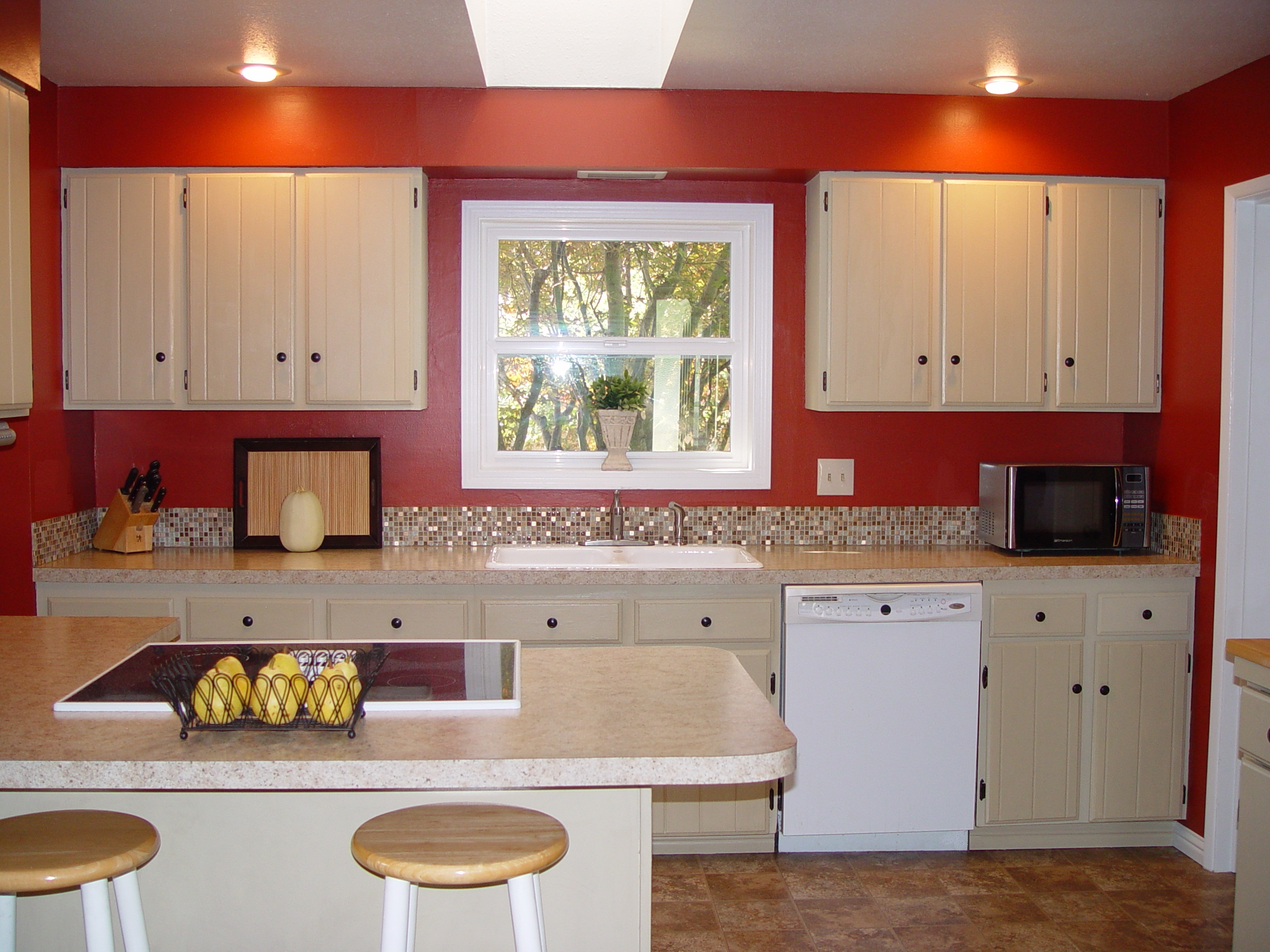 Superior Economical RE Design Made Possible With Salvage Cabinets