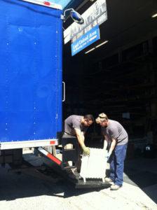 2013 new blue box truck